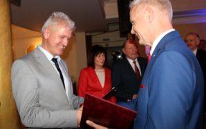 """Mariusz Szwarc nagrodzony medalem """"Za zasługi dla Starogardu"""""""