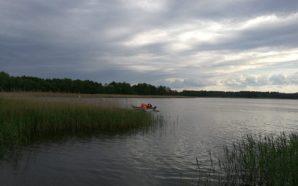 Działania ratownicze na jeziorze Czarnoleskim