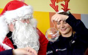 Policyjny Mikołaj odwiedził szpital