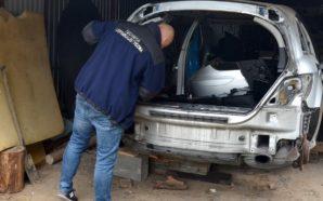 Kryminalni odzyskali kradzionego mercedesa i zatrzymali pasera