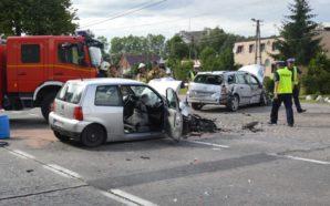 3 auta zderzyły się na berlince. Policjanci ustalają okoliczności wypadku