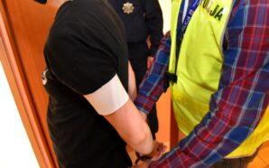 Śledczy przedstawili zarzuty kradzieży perfum