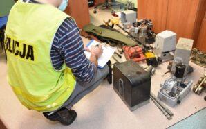 Odpowie za liczne kradzieże, włamanie oraz kradzież prądu