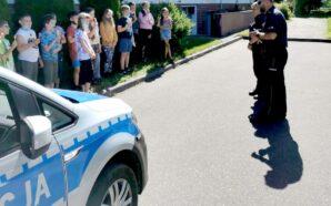 Dzielnicowi ze Starogardu rozmawiali z uczniami o bezpiecznym wypoczynku